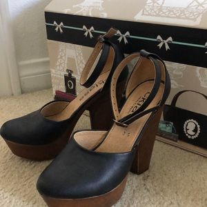 Heels only worn once!